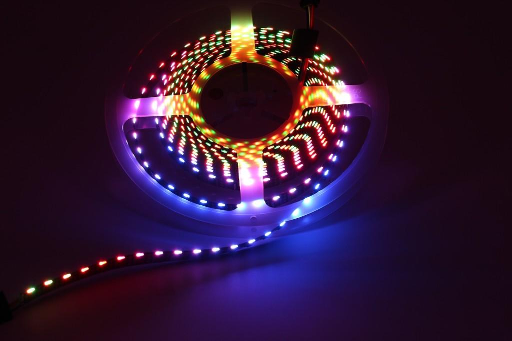 digital-led-strip-lights-2103020_1920